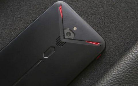 手游玩家最爱什么样的外观?红魔3的RGB灯效可以有!